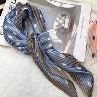 Z home 99! ​​Knock well with! Recommended one hand! Pleated wave point piece silk scarf 123