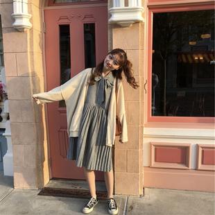 大码女装2018年秋季新款韩版宽松显瘦百褶连衣裙加毛衣外套套装