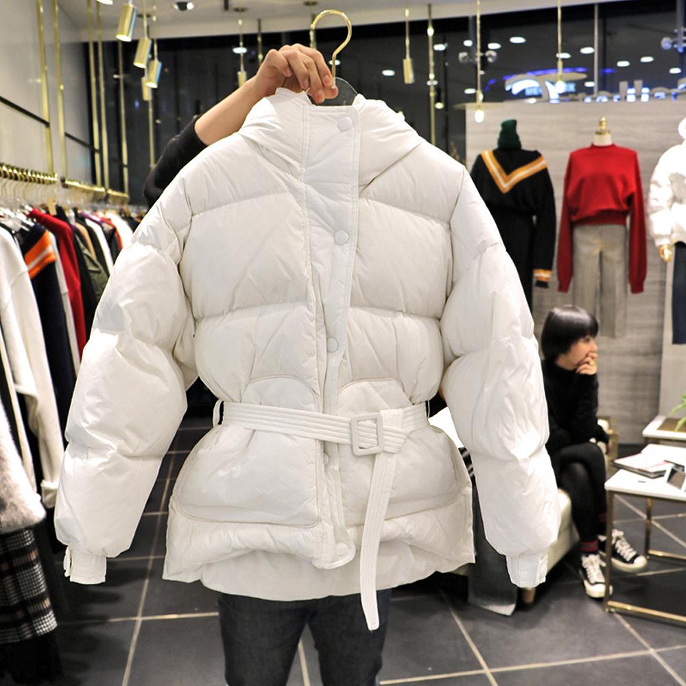 2017冬季新款时尚韩版收腰羽绒服女短款宽松明星同款面包服外套潮