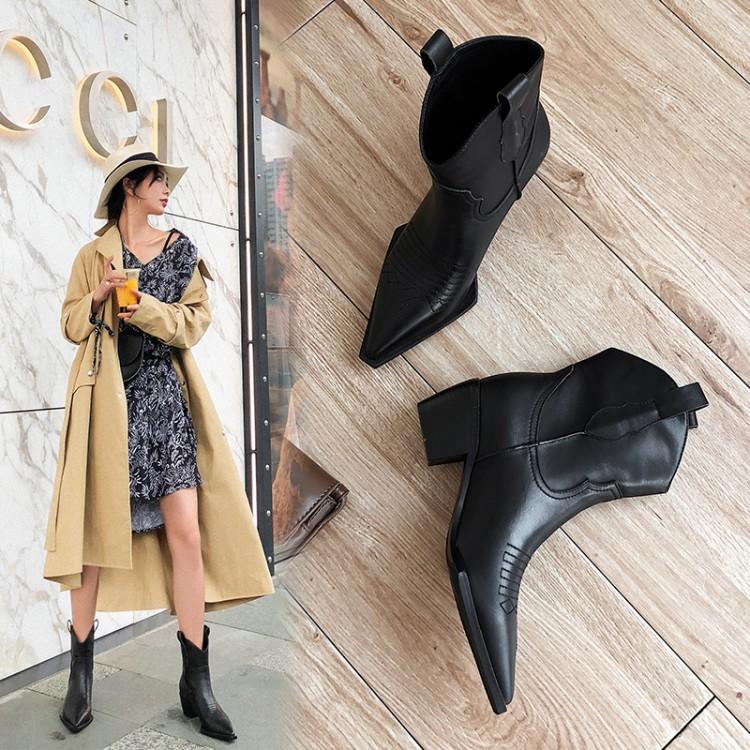 新款欧美真皮骑士靴秋冬刺绣复古短靴网红粗跟西部牛仔靴尖头短靴