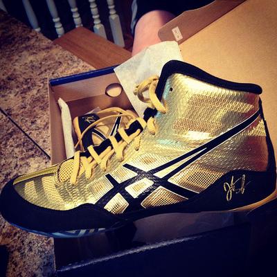 美国代购亚瑟士ASICS JB ELITE 男士签名版金色耐磨舒拳击摔跤鞋