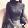 高领柔软毛衣