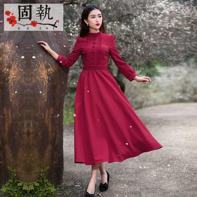 枣红连衣裙