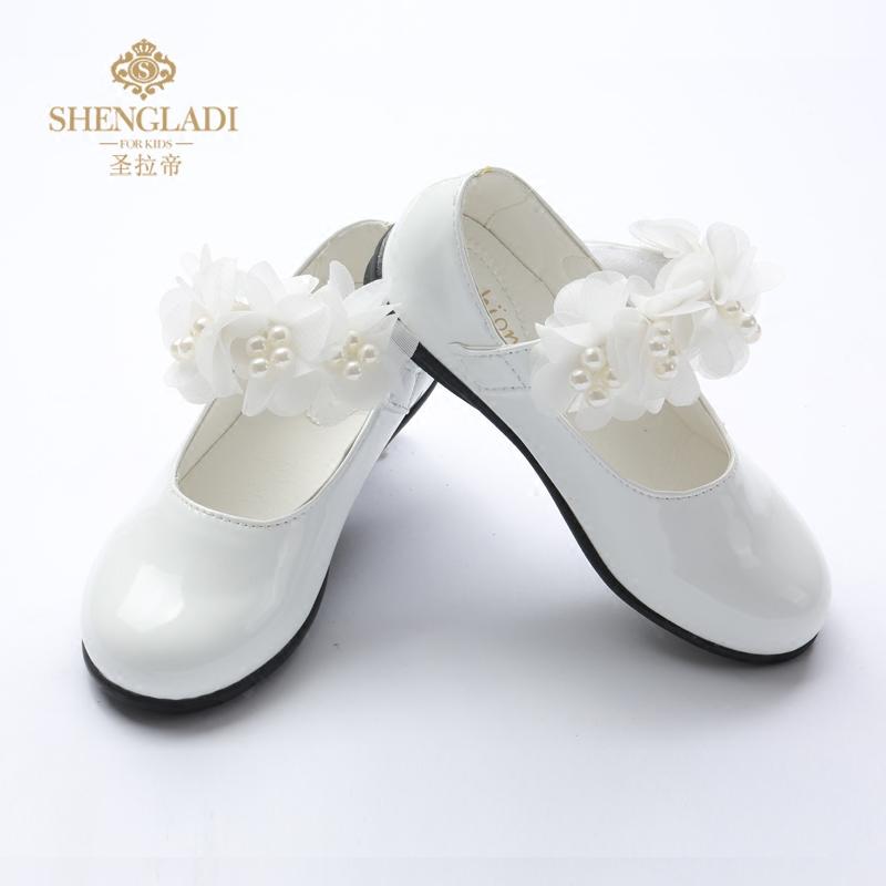 儿童平底鞋白色