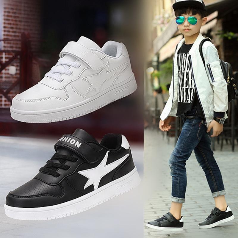 男大童小白鞋板鞋款