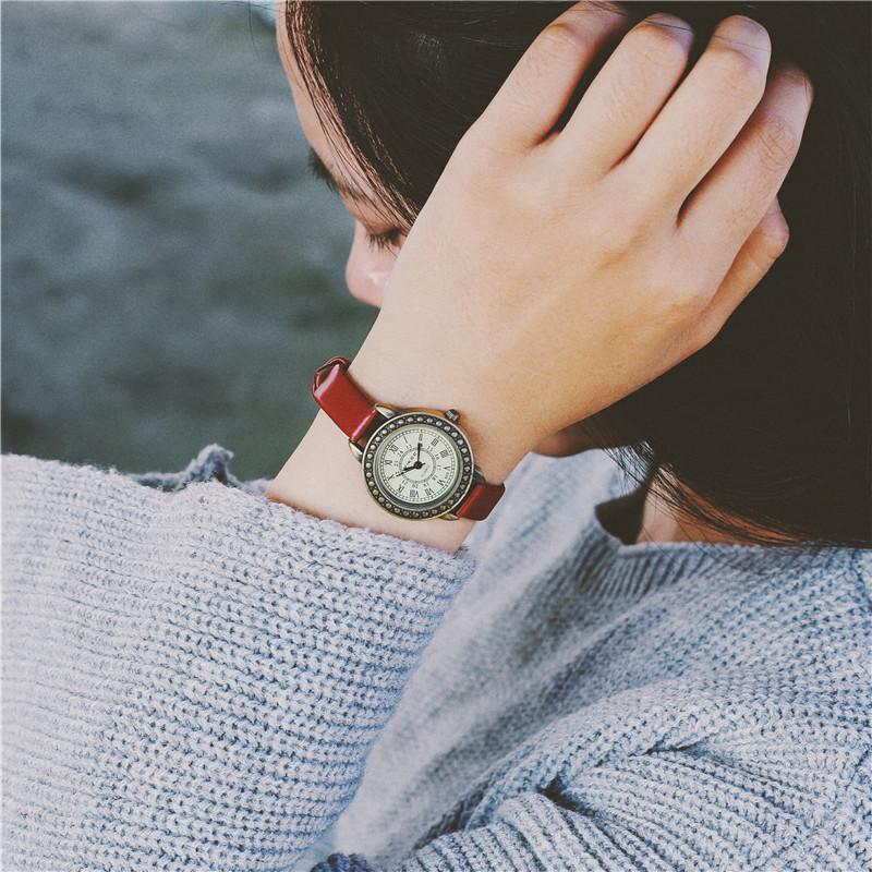 手表女学生韩版简约圆形红色皮带小表盘韩国时尚复古时装表潮女表