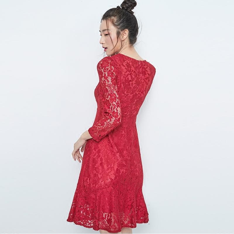 茉希2018秋季新款女装高雅淑女纯色蕾丝V领九分袖显瘦连衣裙H1928
