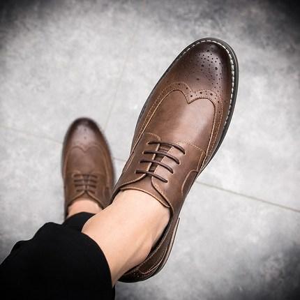 冬季新款皮鞋男布洛克雕花百搭尖头韩版青年休闲英伦风发型师男鞋