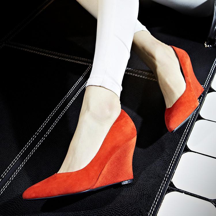 磨砂红色坡跟鞋