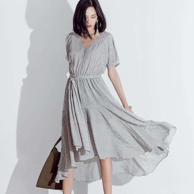 条纹连身长裙