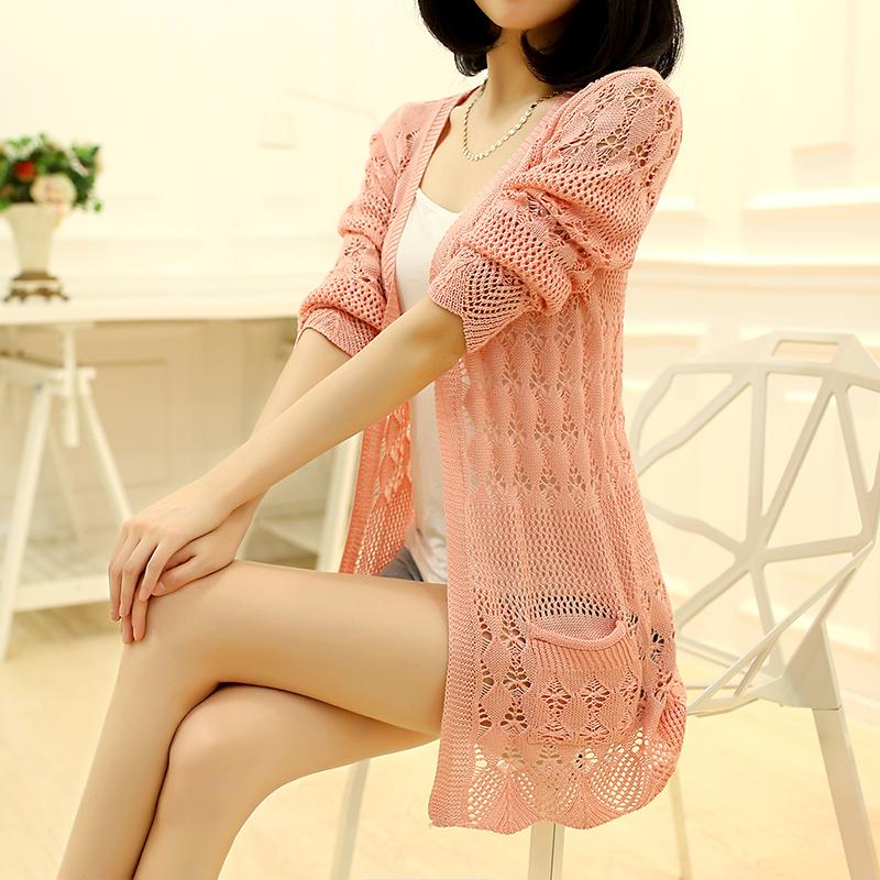 米色薄款针织衫