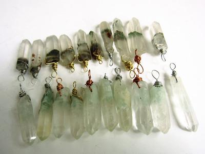 天然白水晶绿幽灵、彩幽灵、青幽灵金字塔、红水晶水晶原石柱吊坠