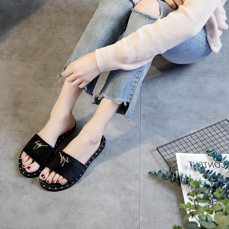 铆钉时尚毛拖鞋