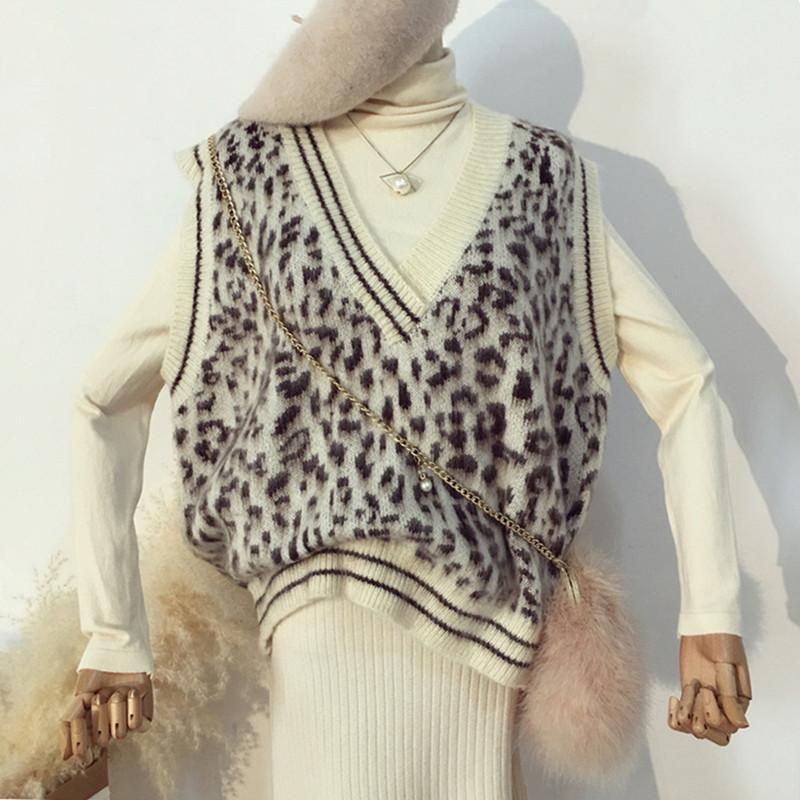 秋冬女2018 new Korean version of the loose wild head v neck sleeveless leopard