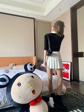 Mungs 7.31 Customized Han Feng ins Women's Group with High waist, White legs and Long Super Short Skirts for Summer Women in 2019