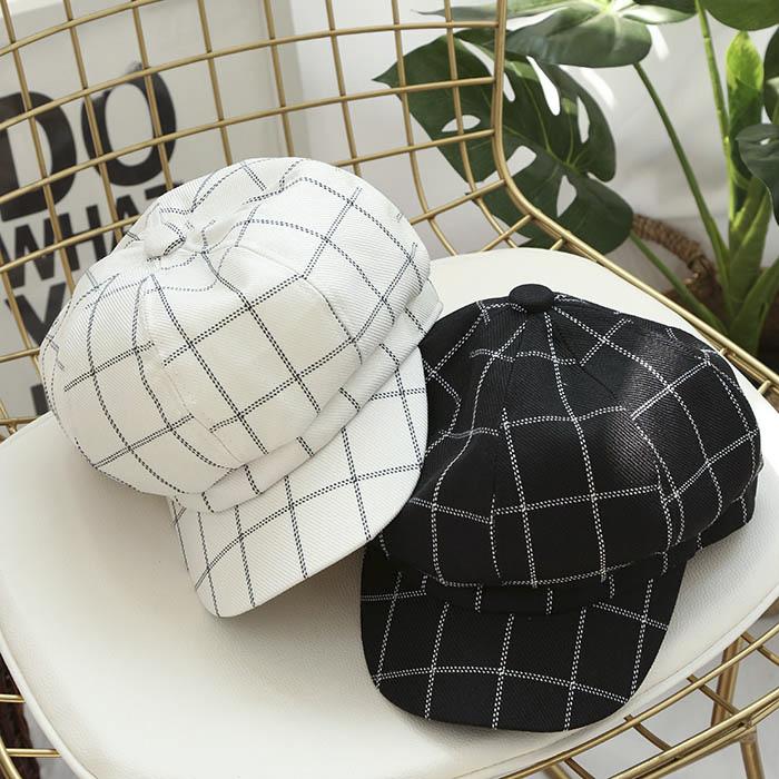 格纹布鸭舌帽