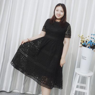 莱迪大码女装2018胖mm夏装新款仙女收腰长裙200斤蕾丝镂空连衣裙