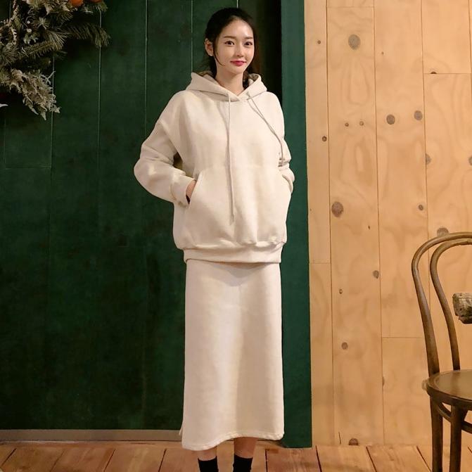 韩国直发2018冬装新款Minsshop连帽卫衣+侧开直筒裙加绒套裙13488