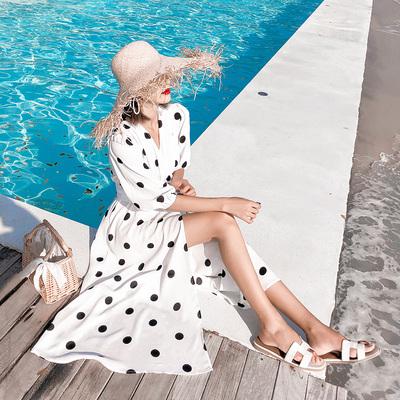 chic慵懒风黑白波点连衣裙夏绑带收腰显瘦七分袖开叉海边度假长裙
