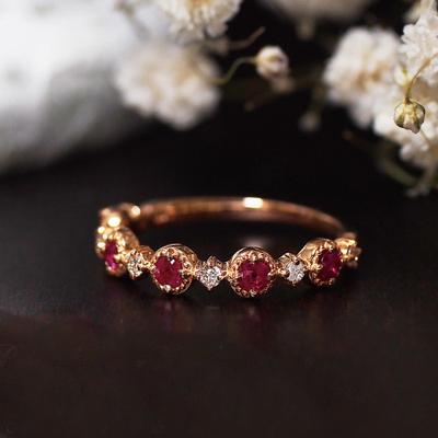 宝石矿工 18k玫瑰金精致红宝石钻石戒指 黄金白金钻戒 精致无比