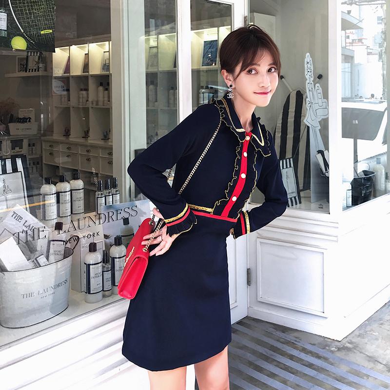 短款荷叶领连衣裙