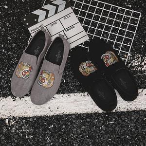 男鞋秋冬季2018新款一脚蹬豆豆鞋男韩版百搭个性鞋子男潮鞋帆布鞋