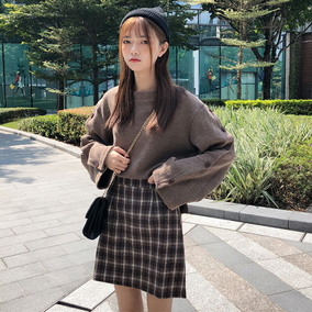 韩版时尚休闲套装秋季女装排扣针织衫卫衣+格子呢子半身裙两件套