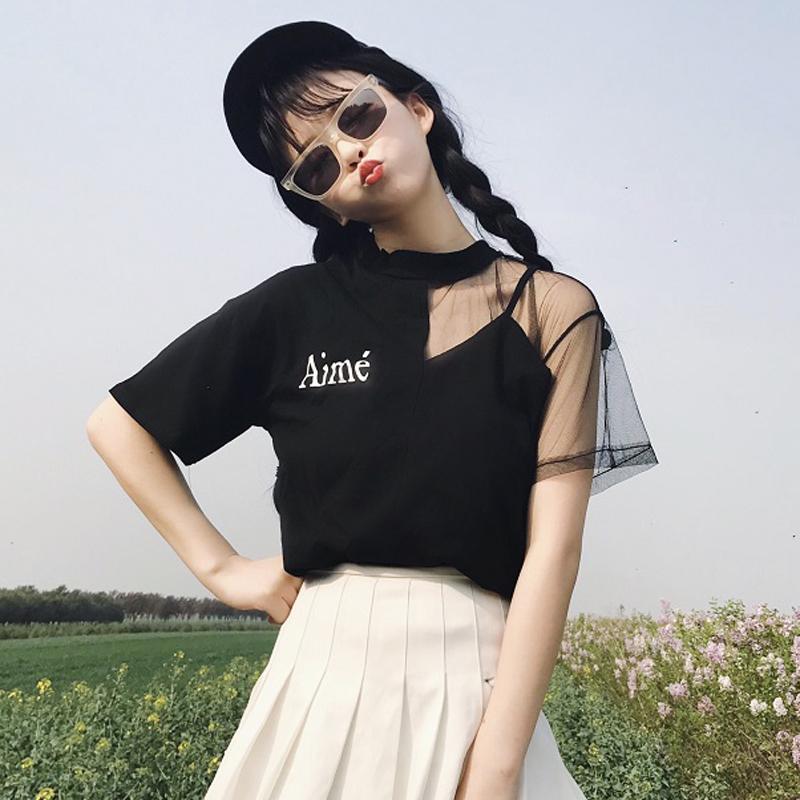 黑色网纱拼接字母上衣