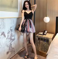 2019流行夏季天新款裙子时尚韩版气质吊带高腰显瘦短款连衣裙女装