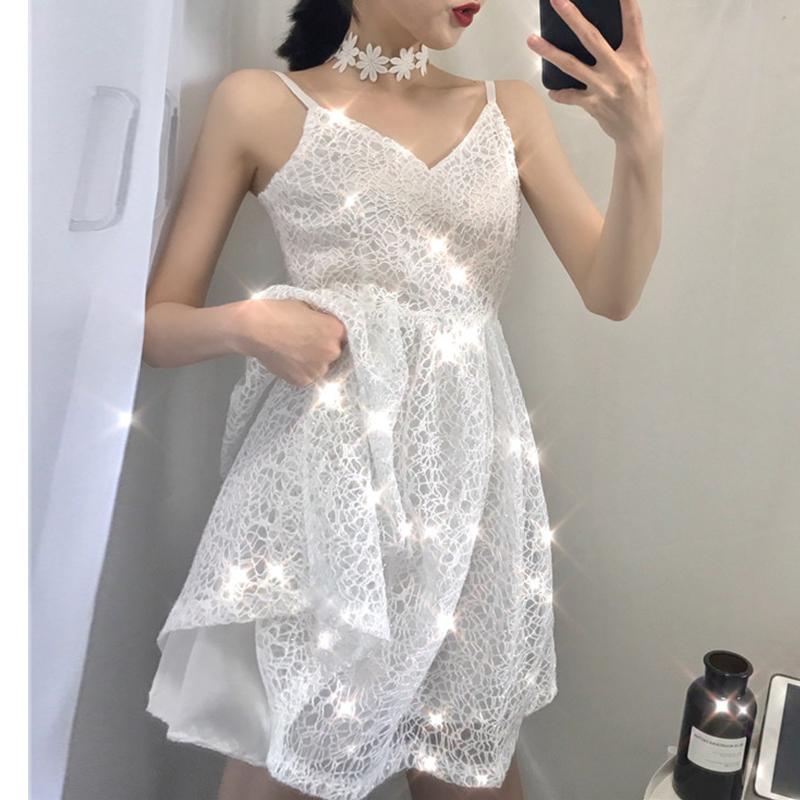 网眼连衣裙