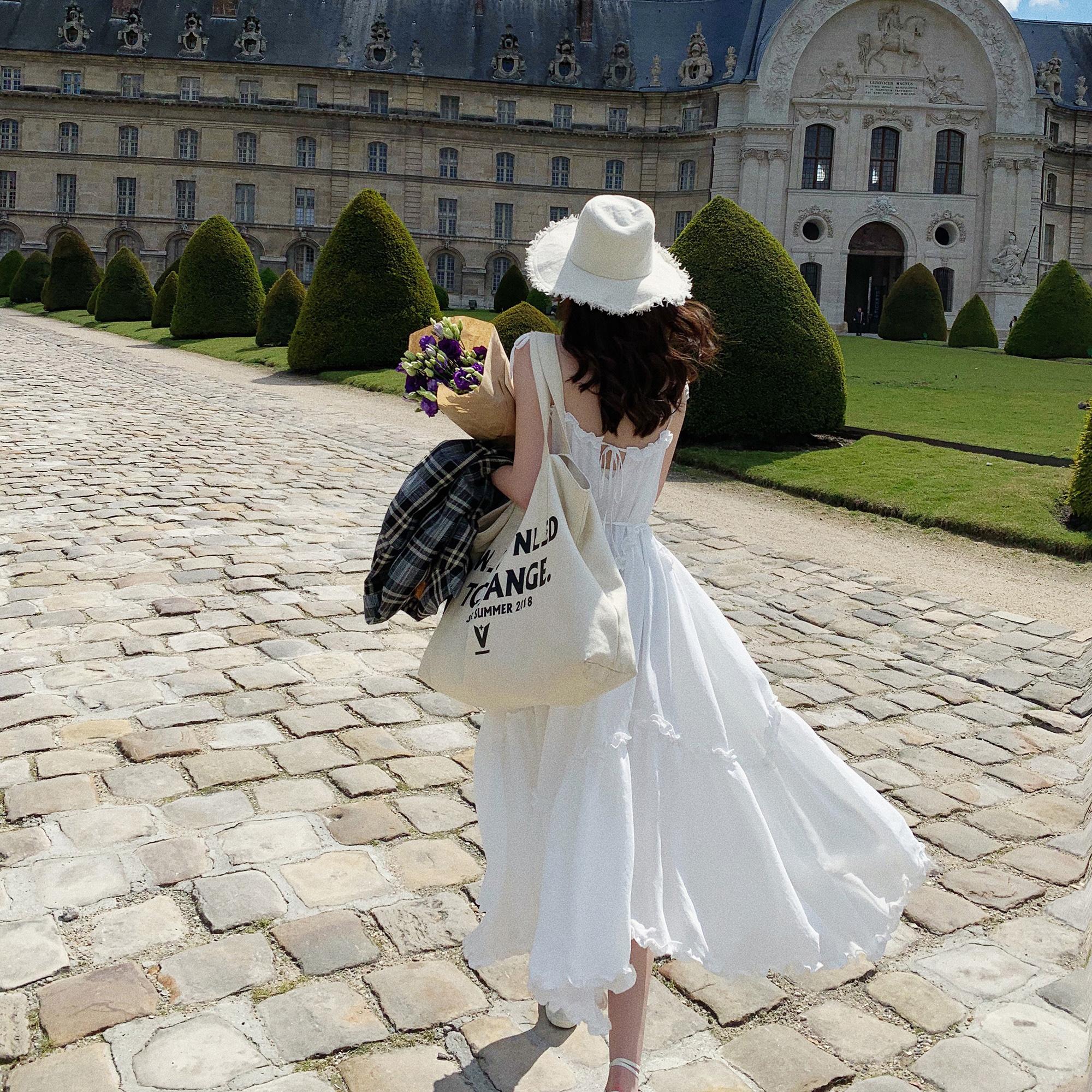 ZY喜哥 豌豆上的公主  2色吊帶連衣裙