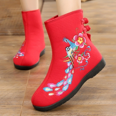 秋冬老北京布鞋女棉靴子  复古民族风绣花鞋 平底防滑妈妈鞋短靴