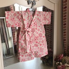 Japanese parents and children's suits and children's clothes and pure cotton household clothes with cherry blossoms. Girls'performance clothes. Babies' sweat steaming