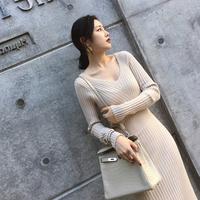 气质女装2017秋冬新款修身显瘦打底针织连衣裙长袖V领名媛时尚潮