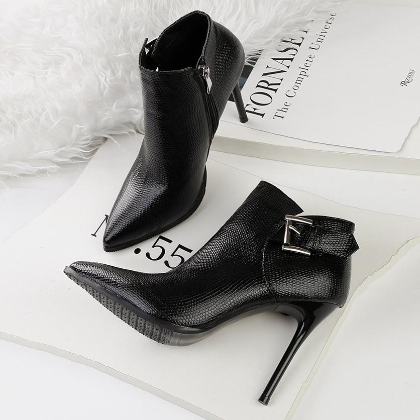 2019秋冬新款短靴女单靴尖头细跟马丁靴高跟及踝靴骑士加绒女靴子