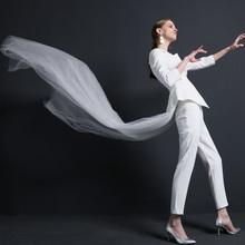 不规则白色短款西装女春秋新OL风性感露肩修身外套+9分裤西服套装