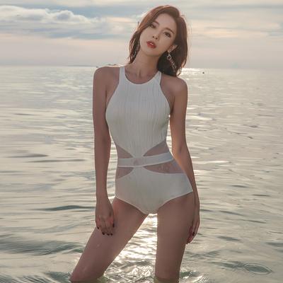 泳衣女连体性感三角小胸聚拢温泉保守大码遮肚显瘦修身韩国游泳装