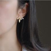 6290 青岛橡皮擦外饰* 暖暖珍珠金叶 精致优雅树枝耳钉 耳环