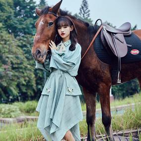 低俗小说 文艺复古不规则绣花上衣披肩式半裙格子半身裙两件套仙