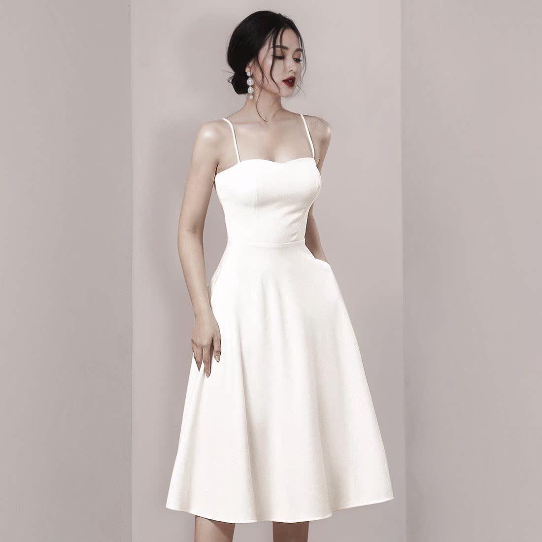 2019夏季新款时尚名媛气质白色礼服高腰显瘦露肩吊带小众连衣裙女