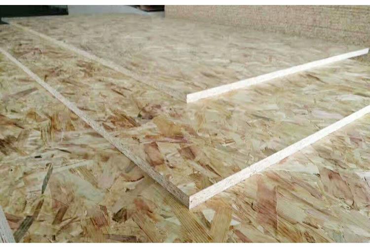 中国定制 进口欧松板OSB无制刨花板德国奥松家具醛环保E0级9mm18m