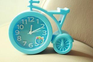 自行车型卡通闹钟 简约可爱韩版立体数字静音扫描响玲闹钟040
