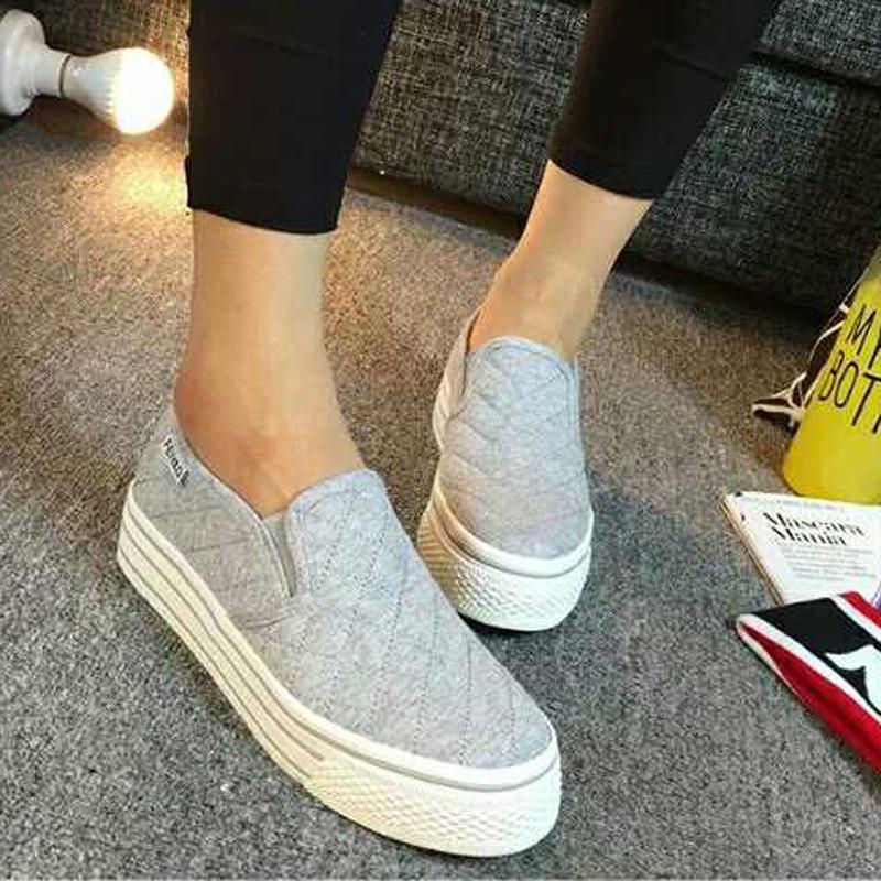 灰色厚底帆布鞋