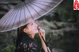 Hangzhou spring morning silk umbrella gradient gray purple red black day and umbrella photo ancient wind and wind craft photo photography umbrella