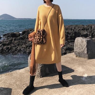 鸡仔黄含羊毛秋冬百搭保暖圆领长袖毛衣长款连衣裙女