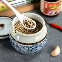Chili seasoning cans have a gap. Micro-style Japanese antique ceramic size salt shaker extra large pig oil can
