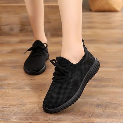 老北京布鞋女鞋春秋休闲运动系带布鞋软平底防滑中老年妈妈鞋包邮