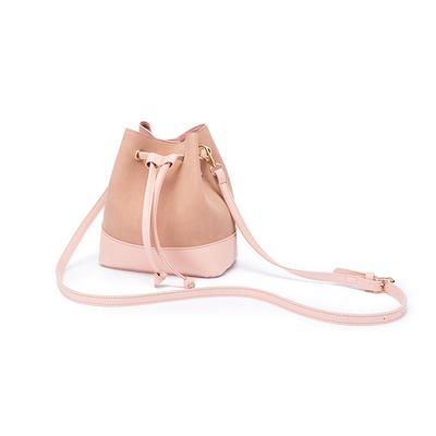 上新小包包女2018新款潮韩版百搭斜挎包小包单肩包水桶包抽带女包