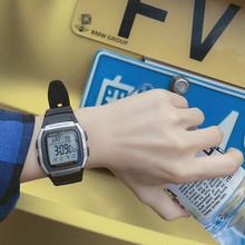 96H 卡西欧学生户外运动数字显示方形电子男表手表W图片