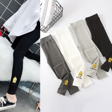 Spring and Summer thin cotton embroidered underpants female ducklings show thin personality, tight elasticity and wear small feet nine-minute pants